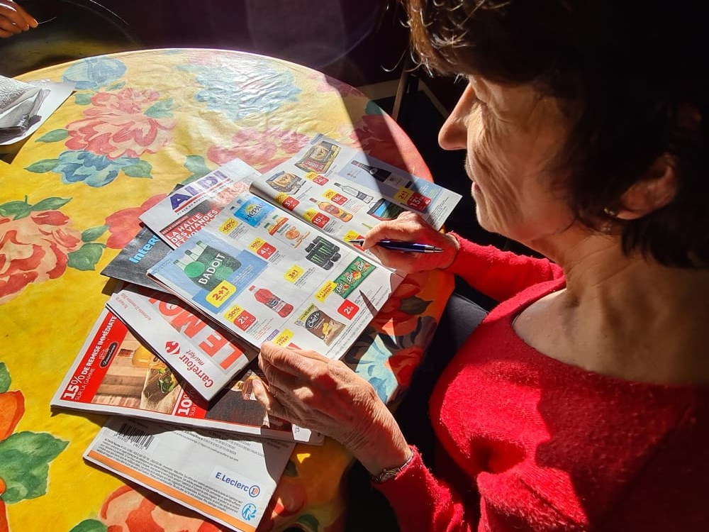 Nicole, «prospectus-addict» dans l'Yonne